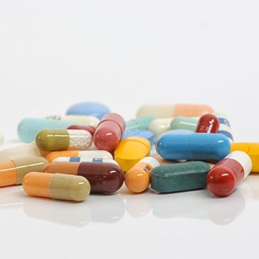 Ein kleiner Haufen Medikamente